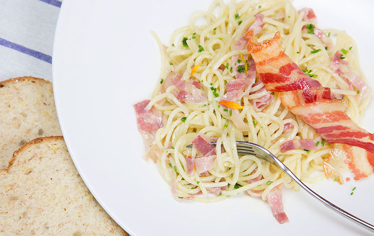 Espaguettis con panceta